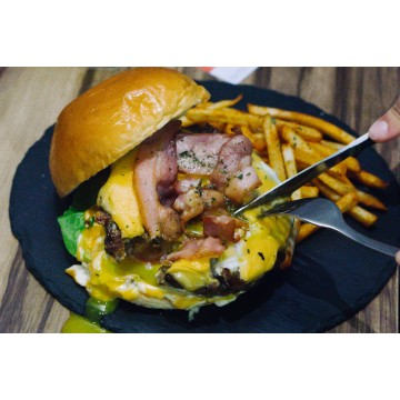 Egg Lava Beef Burger
